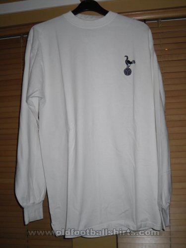 Tottenham Hotspur Retro Replicas football shirt 1967 - 1975