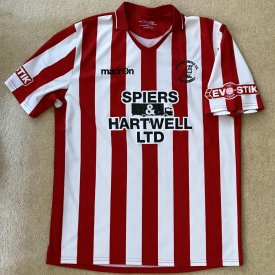 Evesham United Home φανέλα ποδόσφαιρου (unknown year) sponsored by Spiers & Hartwell Ltd