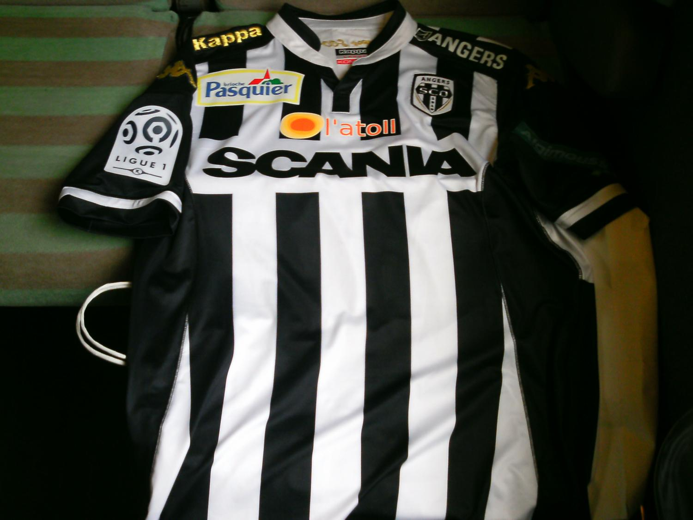 de7db57a3d0 Angers SCO Home camisa de futebol 2015 - 2016.
