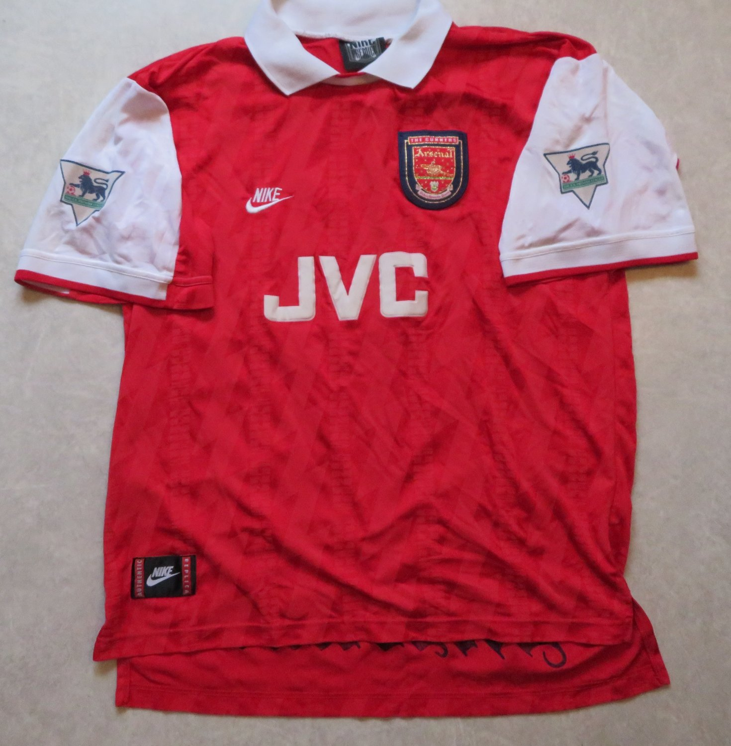 3db84a3e2 Arsenal Home maglia di calcio 1994 - 1996. Sponsored by JVC