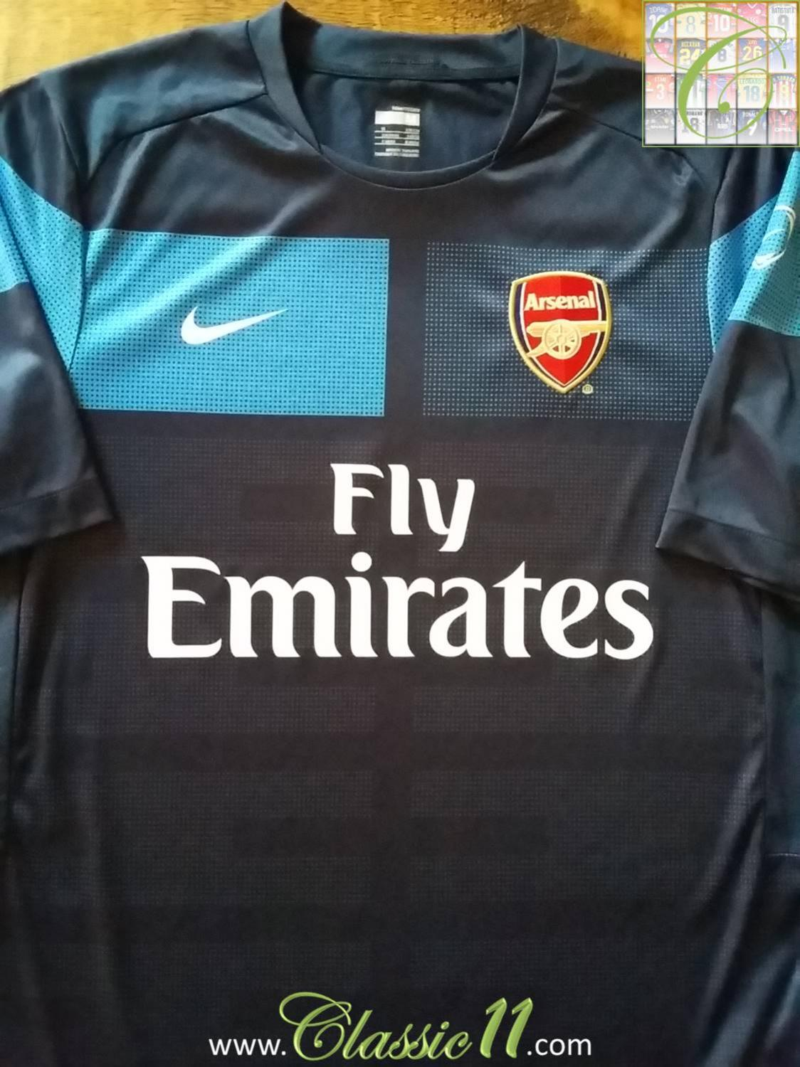 fa5111c1a25 Arsenal Training Leisure Maillot de foot 2009 - 2010.