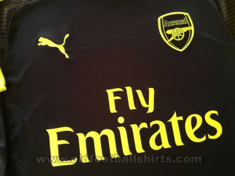 Arsenal Third baju bolasepak 2016 - 2017