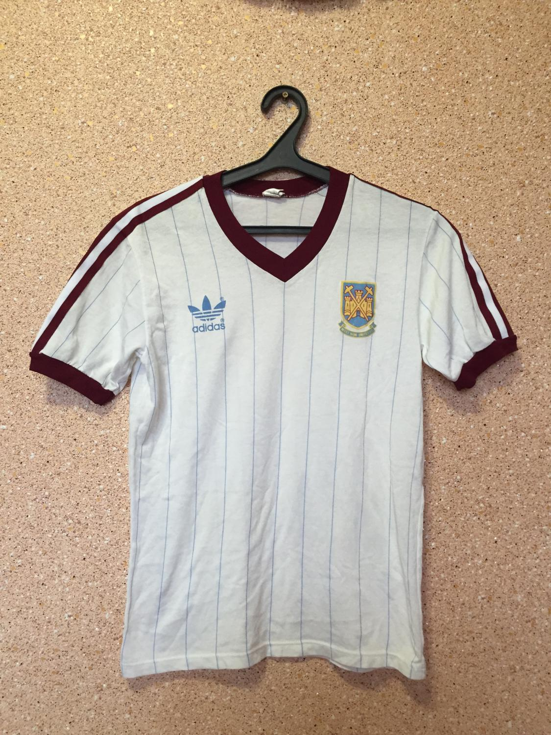 c739196bc25 West Ham United Away maglia di calcio 1983 - 1985. Sponsored by no ...