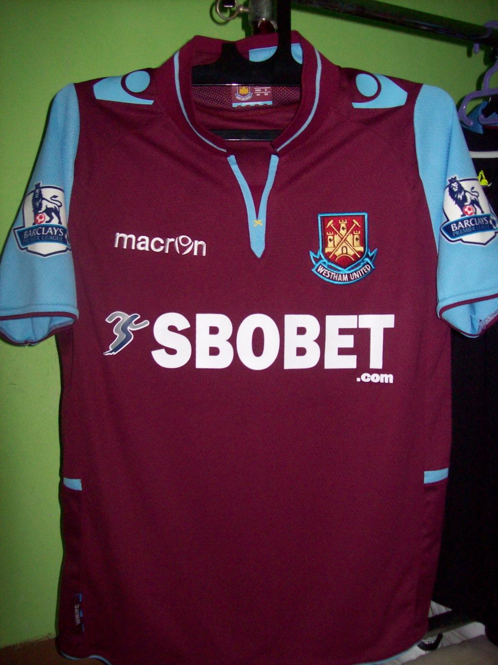 d8e0b9269 West Ham United Home camisa de futebol 2012 - 2013. Sponsored by SBOBET