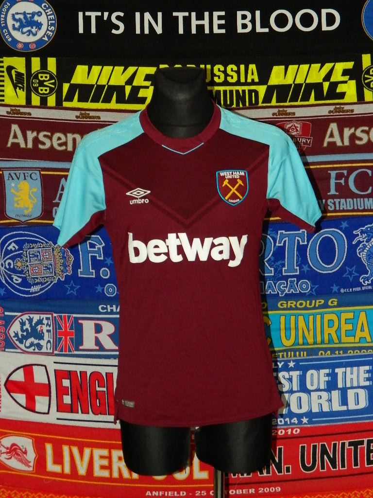 acb2205d4 West Ham United Home camisa de futebol 2017 - 2018. Sponsored by Betway
