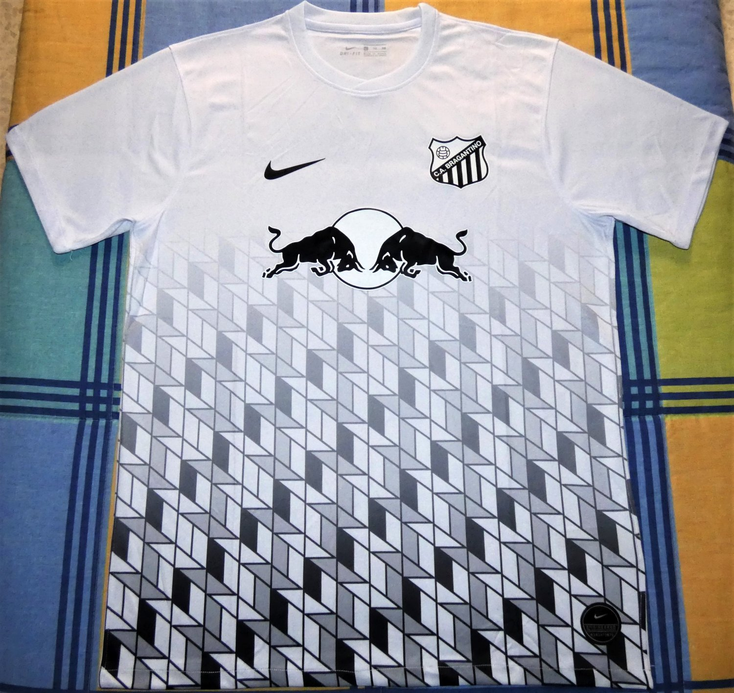 Clube Atletico Bragantino Special Maillot De Foot 2019 Sponsored By Red Bull