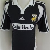 Away football shirt 2001 - 2002