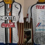 Home football shirt 2009 - 2010