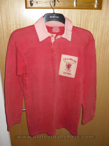 Wales Home Fußball-Trikots 1947 - 1948