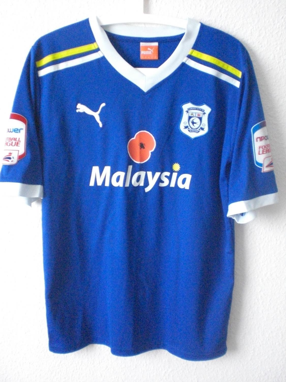 ef52574bd Cardiff City Home maglia di calcio 2011 - 2012. Sponsored by Visit ...