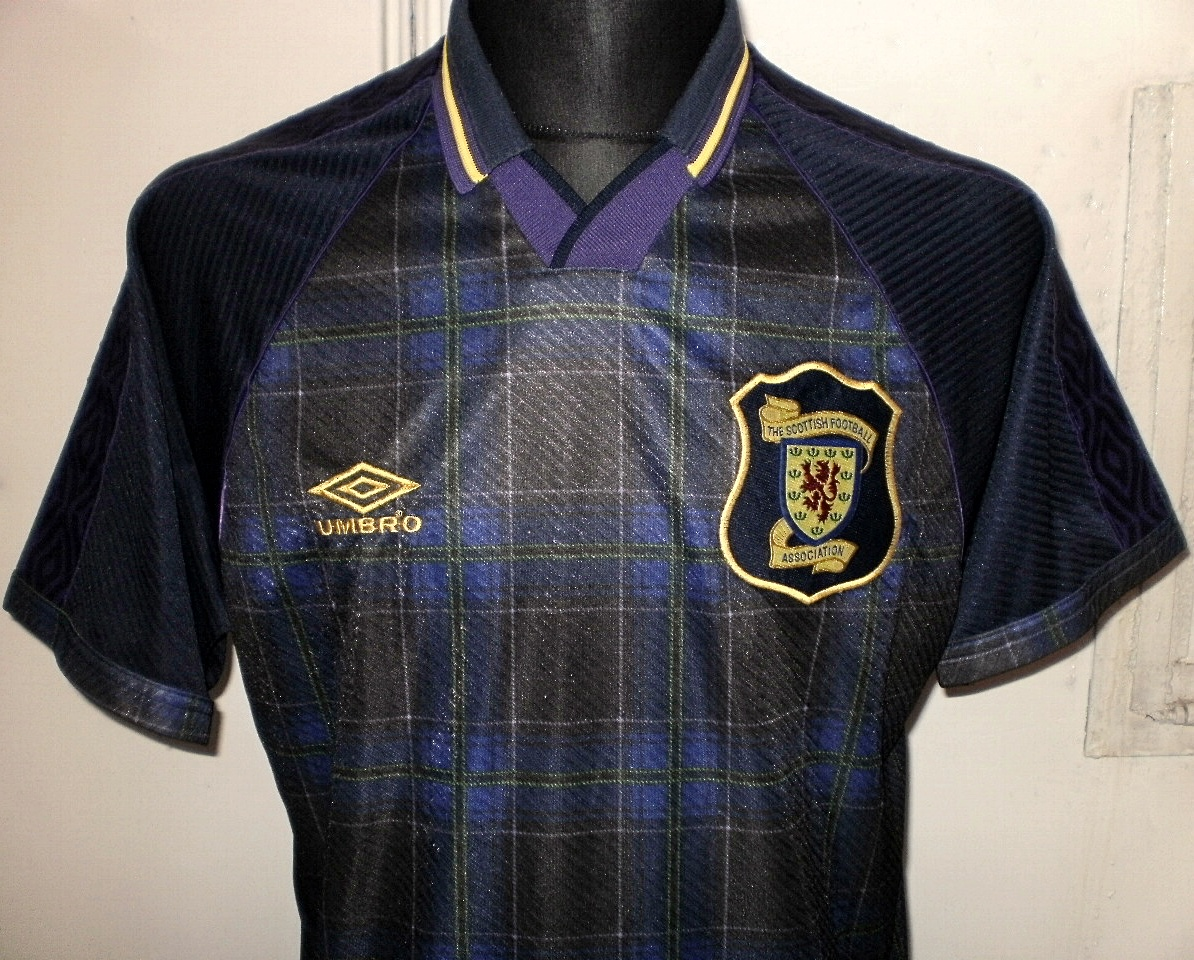 extra_football_shirt_16487_2.jpg