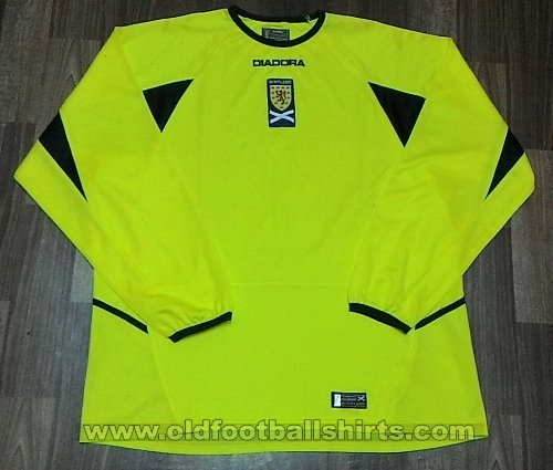 Scotland Goalkeeper football shirt 2003 - 2004