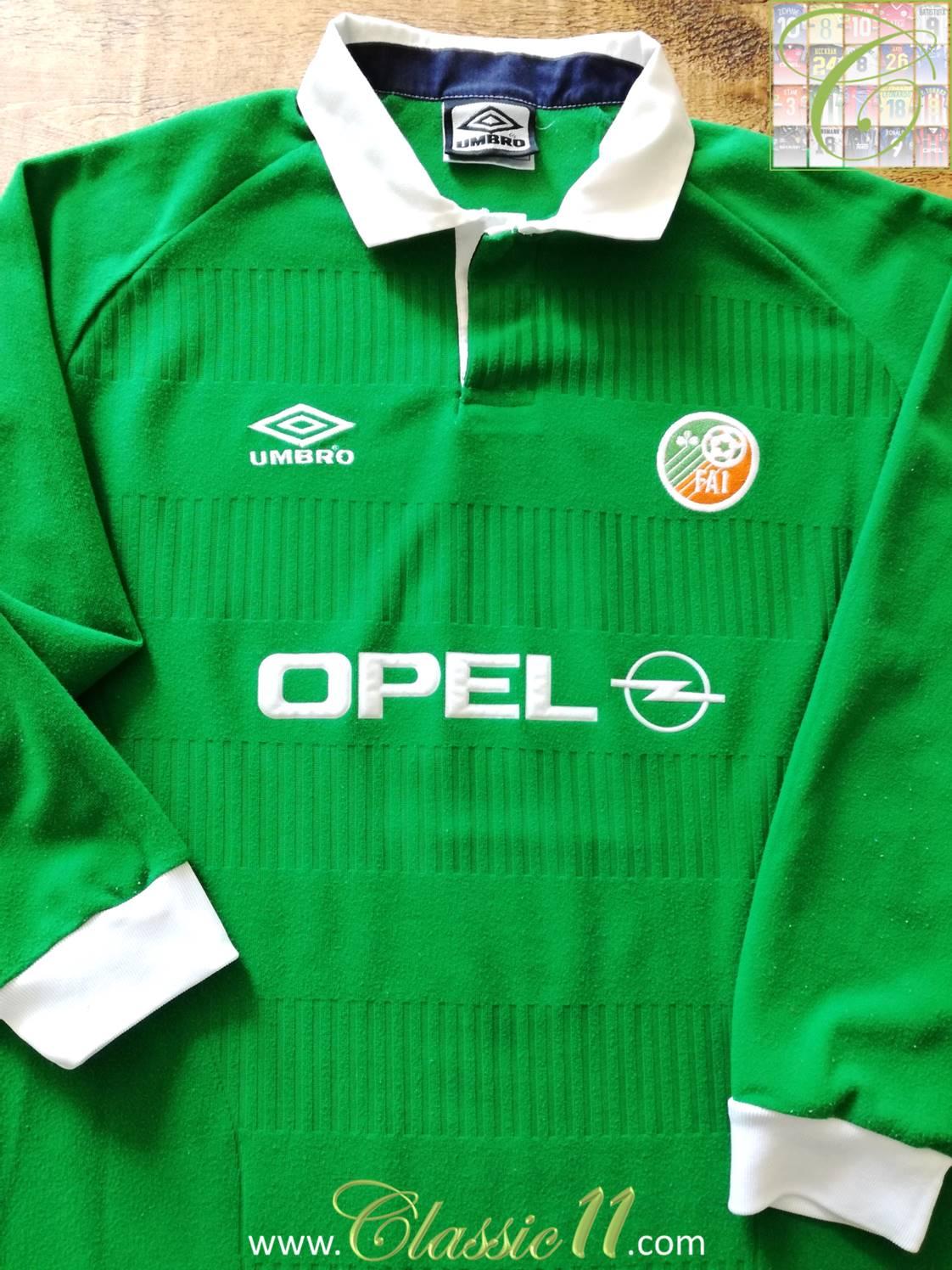 Republic of Ireland Home fotbollströja 2000 - 2001. a1060fe52