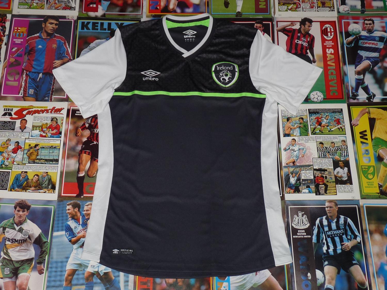 c351750463c Republic of Ireland Third Maillot de foot 2015.