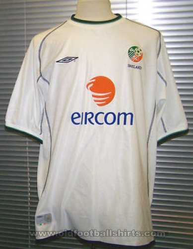 Republic of Ireland Away football shirt 2001 - 2002