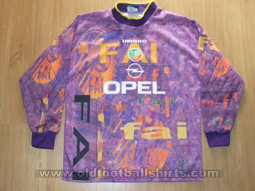 Republic of Ireland Goalkeeper football shirt 1995 - 1996
