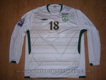 Republic of Ireland Away football shirt 2009