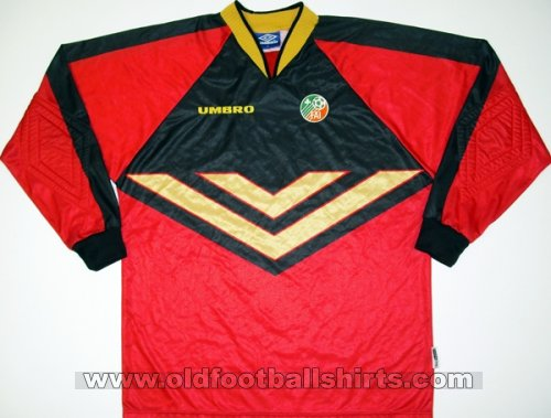 Republic of Ireland Goalkeeper football shirt 1999 - 2000