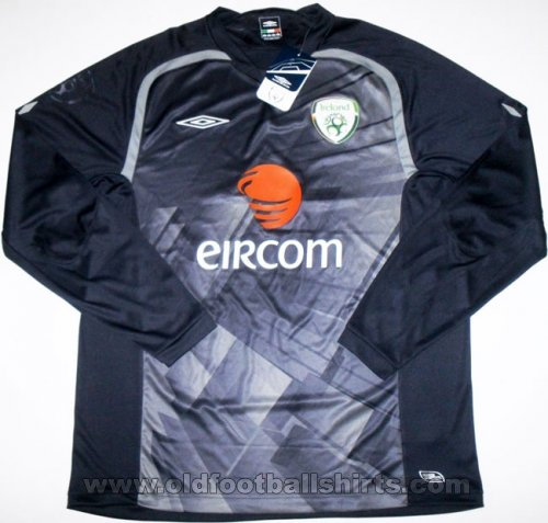 Republic of Ireland Goalkeeper football shirt 2009 - 2010