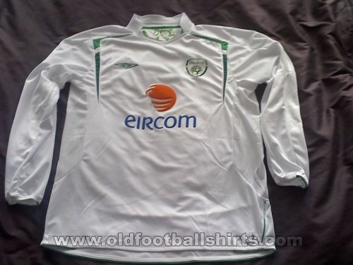 Republic of Ireland Away football shirt 2005 - 2006