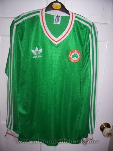 Republic of Ireland Home football shirt 1985 - 1986