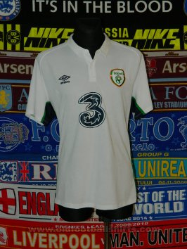 Republic of Ireland Away football shirt 2016 - 2017