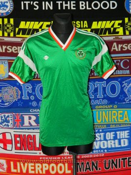 Republic of Ireland Home football shirt 1986