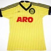 Home football shirt 1982 - 1983