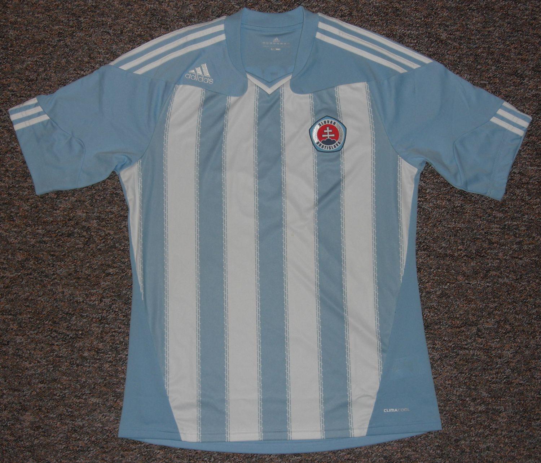 d34a6e4d73 SK Slovan Bratislava Home football shirt 2011 - 2012.