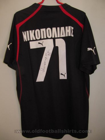 Olympiacos Goalkeeper football shirt 2005 - 2006