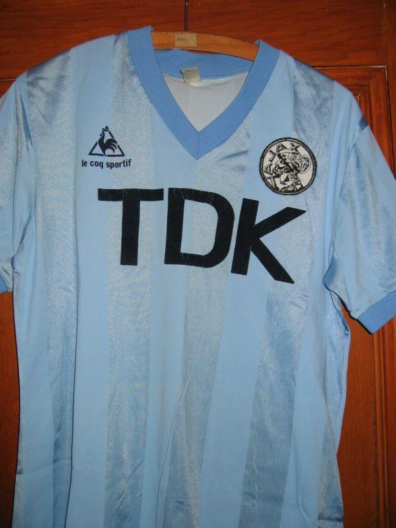 https://www.oldfootballshirts.com/img/shirts/274/ajax-away-football-shirt-1982-1984-s_4847_1.jpg