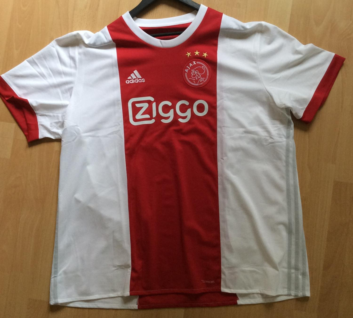 79aef6c4407 Ajax Home Maillot de foot 2017 - 2018. Sponsored by Ziggo