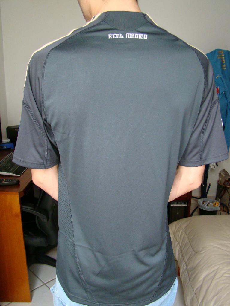 Real Madrid Third camisa de futebol 2009 - 2010.