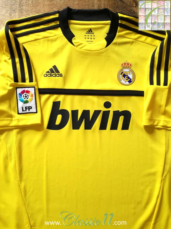 e32eebd2f Real Madrid Goalkeeper fotbollströja 2011 - 2012 ...