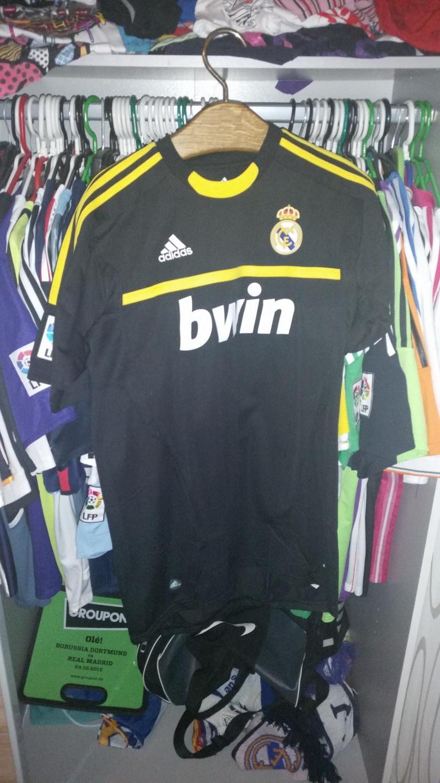 new concept 98ec8 872c3 Real Madrid Away football shirt 2011 - 2012.