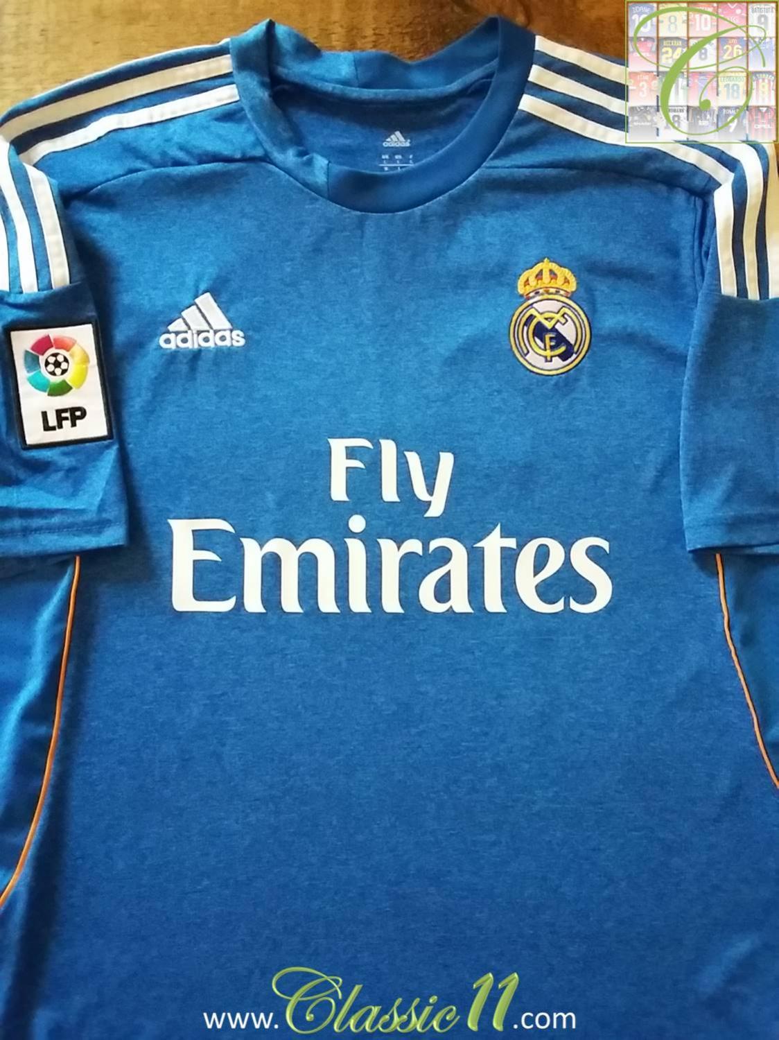 5ef6426eff7 Real Madrid Away maglia di calcio 2013 - 2014. Sponsored by Emirates