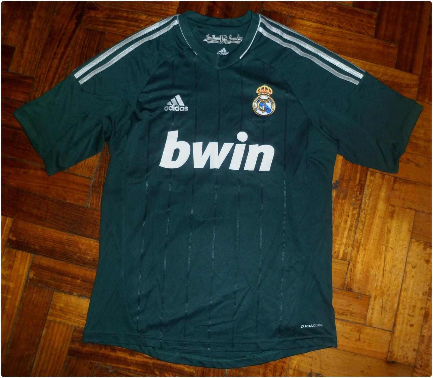 real madrid football shirt Photo