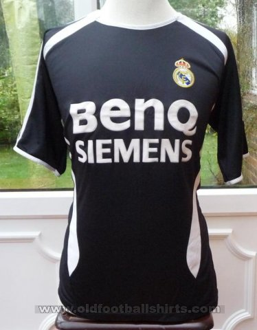 Real Madrid Retro Replicas football shirt 2006 - 2007