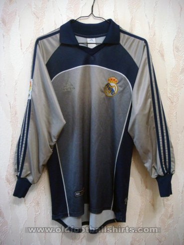 Real Madrid Goalkeeper voetbalshirt  2001 - 2002