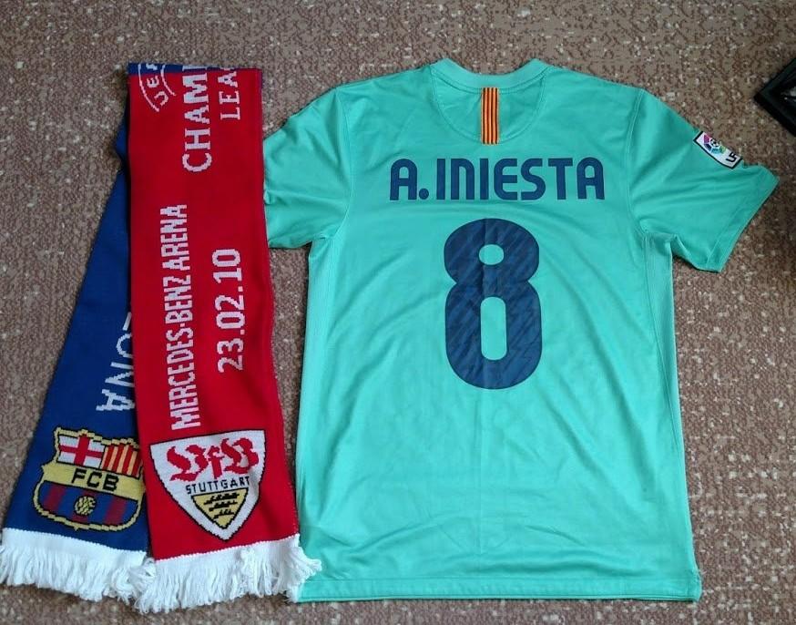 Barcelona Away football shirt 2010 - 2011. Sponsored by Unicef