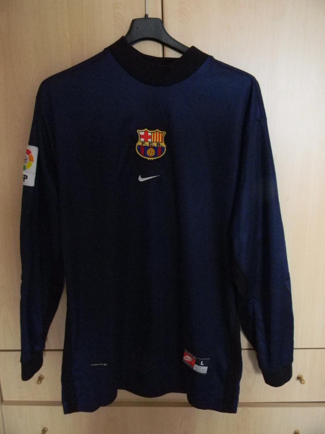 30f9d6ed593 Barcelona Goalkeeper Maillot de foot 2001 - 2002.