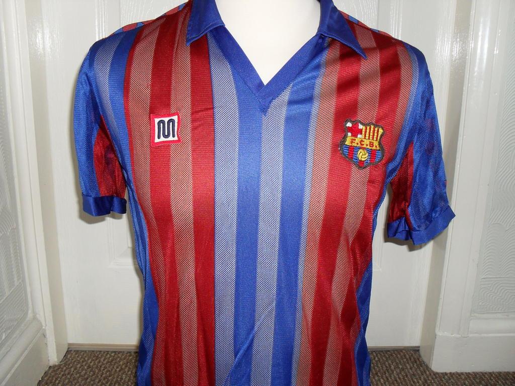 deed19313cc Barcelona Home Camiseta de Fútbol 1981 - 1983.
