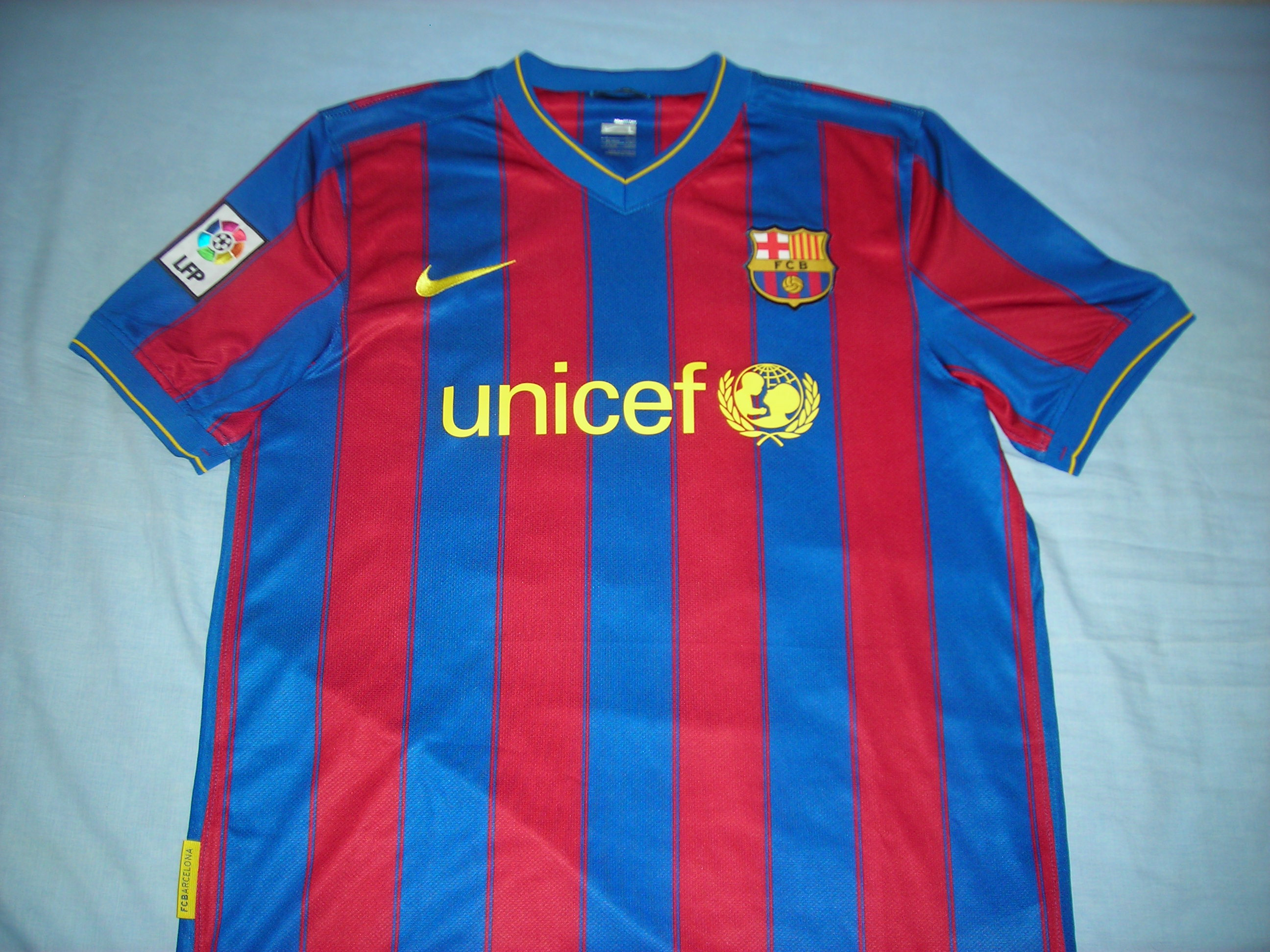 barcelona domicile maillot de foot 2009 2010 ajout 2010 04 13 14 21. Black Bedroom Furniture Sets. Home Design Ideas