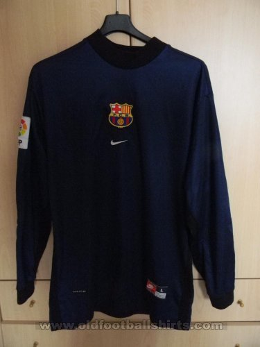 Barcelona Goalkeeper football shirt 2001 - 2002