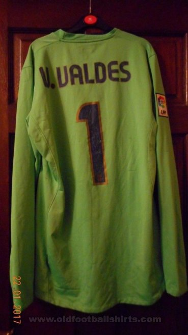 Barcelona Goalkeeper football shirt 2008 - 2009