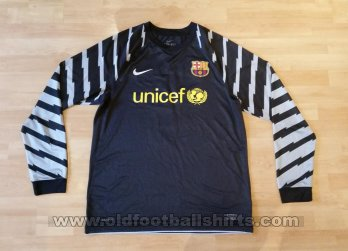 Barcelona Goalkeeper football shirt 2010 - 2011