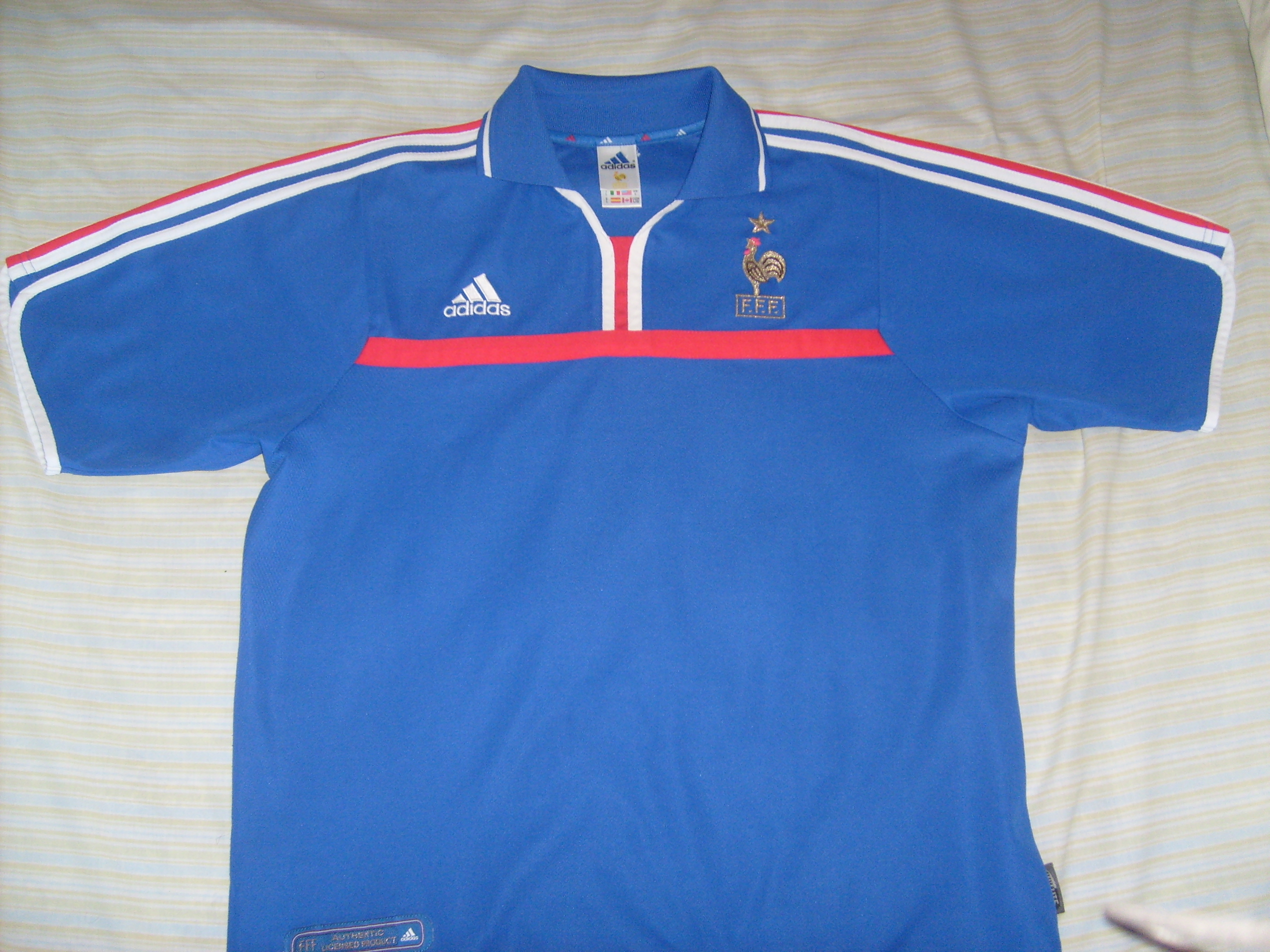 France ext rieur maillot de foot 2000 2002 ajout 2011 for Exterieur 2000