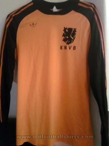 Netherlands Unknown shirt type 1981 - 1982