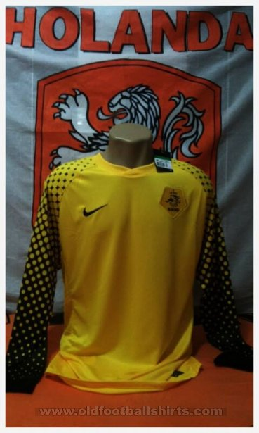 Netherlands Goalkeeper football shirt 2010 - 2012