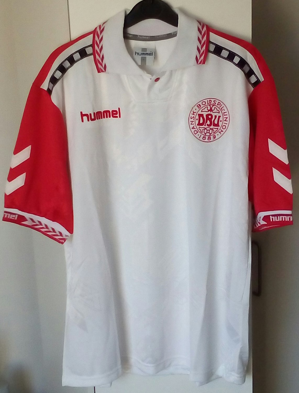 0d2aaf01968 Denmark Away Maillot de foot 1996 - 1997.